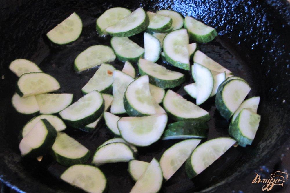 Фото приготовление рецепта: Овощное ассорти в томатной заливке шаг №2