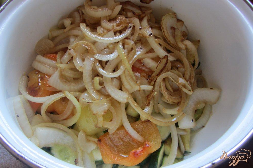 Фото приготовление рецепта: Овощное ассорти в томатной заливке шаг №6