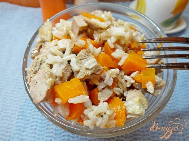 Рецепт Салат из индюка, неочищеного риса и моркови