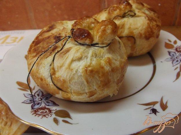 Рецепт Витушки с курагой и грецким орехом из слоеного теста