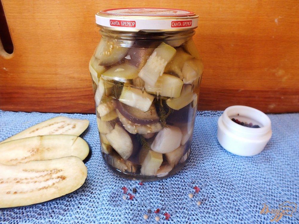 Фото приготовление рецепта: Консервированный салат из кабачков и баклажанов шаг №8