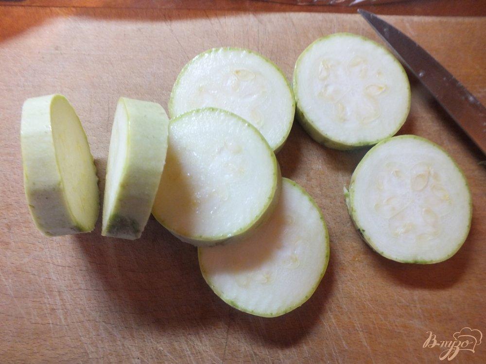 Фото приготовление рецепта: Гарнир тещин язык с сулугуни шаг №4
