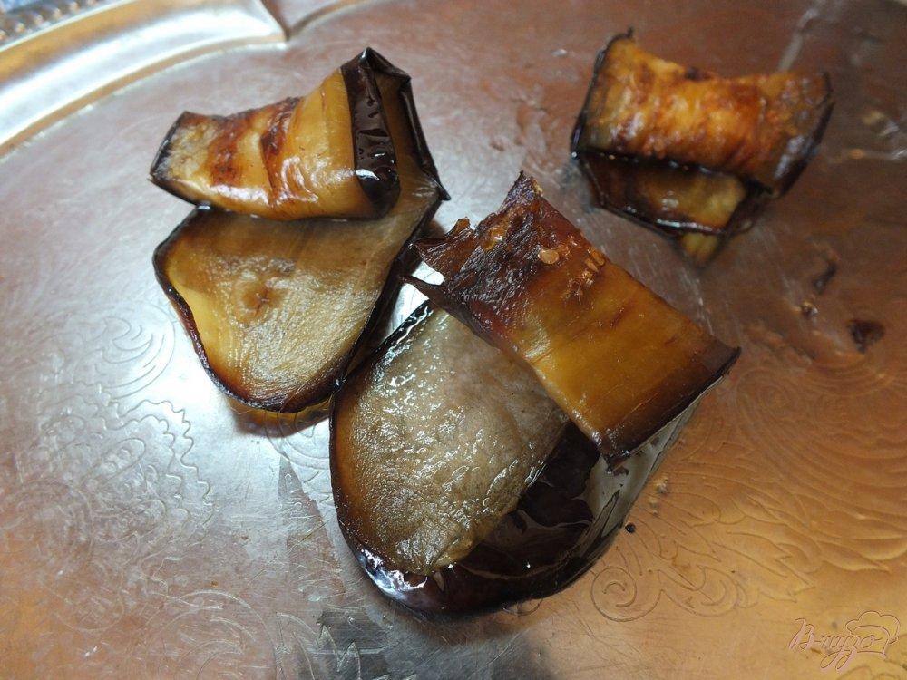 Фото приготовление рецепта: Дуэт из запеченных синих и кабачков шаг №4