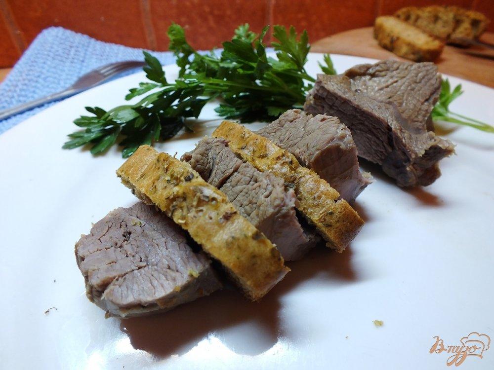 Фото приготовление рецепта: Говядина отварная в крутом бульоне из зелени шаг №8