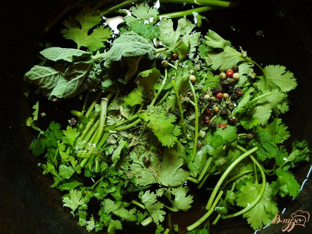 Фото приготовление рецепта: Говядина отварная в крутом бульоне из зелени шаг №7