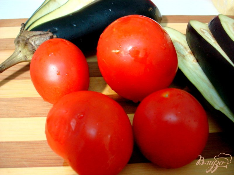 Фото приготовление рецепта: Баклажанные веера шаг №2