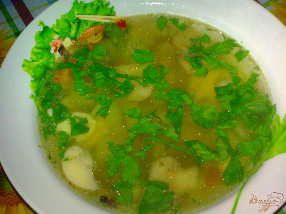 Фото приготовление рецепта: Суп куриный с кабачками шаг №10