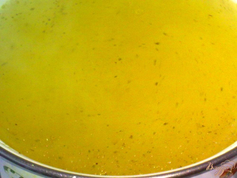 Фото приготовление рецепта: Суп куриный с кабачками шаг №1