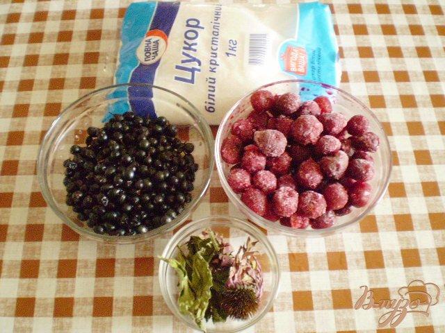 Фото приготовление рецепта: Полезный компот с эхинацеей и вишней шаг №1