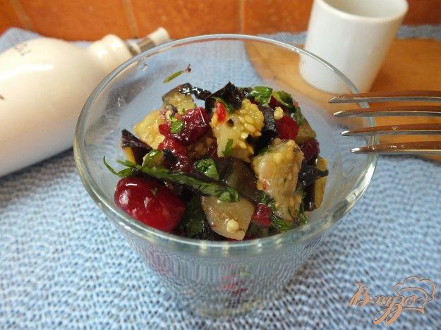 Рецепт Кавказский салат с кизилом и печеными синими
