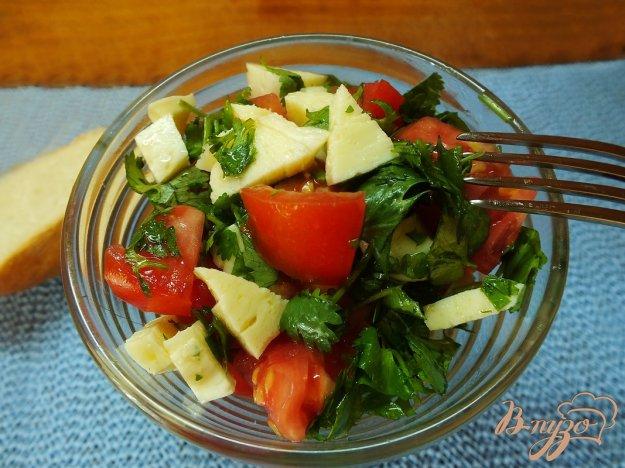 Рецепт Грузинский салат из овощей с сыром сулугуни и горчичным маслом