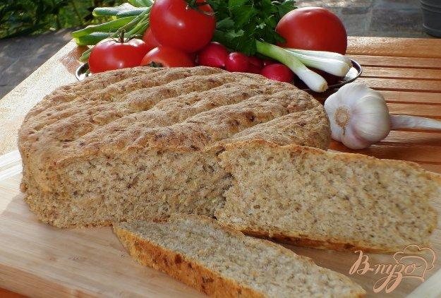 фото рецепта: Хлеб с цуккини и луком