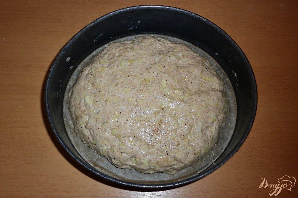 Фото приготовление рецепта: Хлеб с цуккини и луком шаг №6