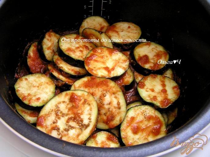 Фото приготовление рецепта: Баклажаны в томатном соусе (в мультиварке) шаг №3