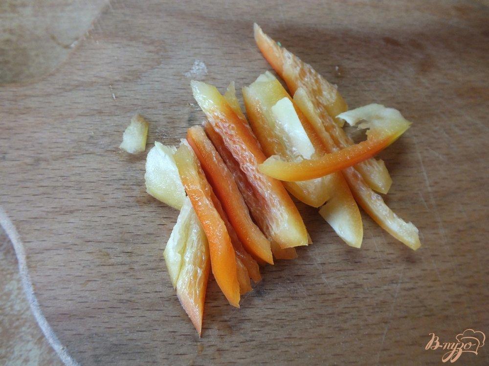 Фото приготовление рецепта: Салат из свежих кабачков и моркви шаг №4