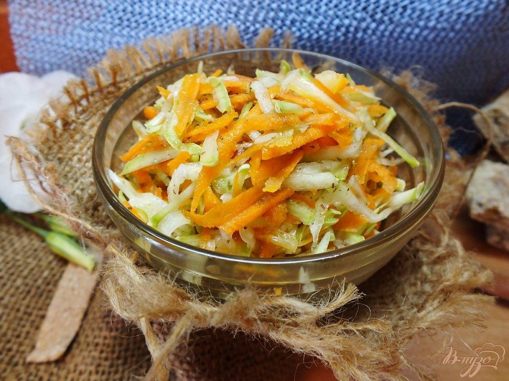 Фото приготовление рецепта: Салат из свежих кабачков и моркви шаг №6