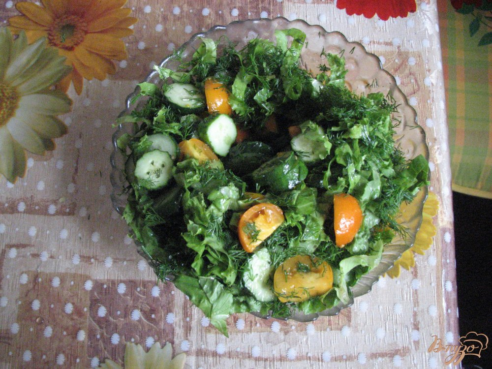 Фото приготовление рецепта: Салат с желтіми помидорами шаг №6