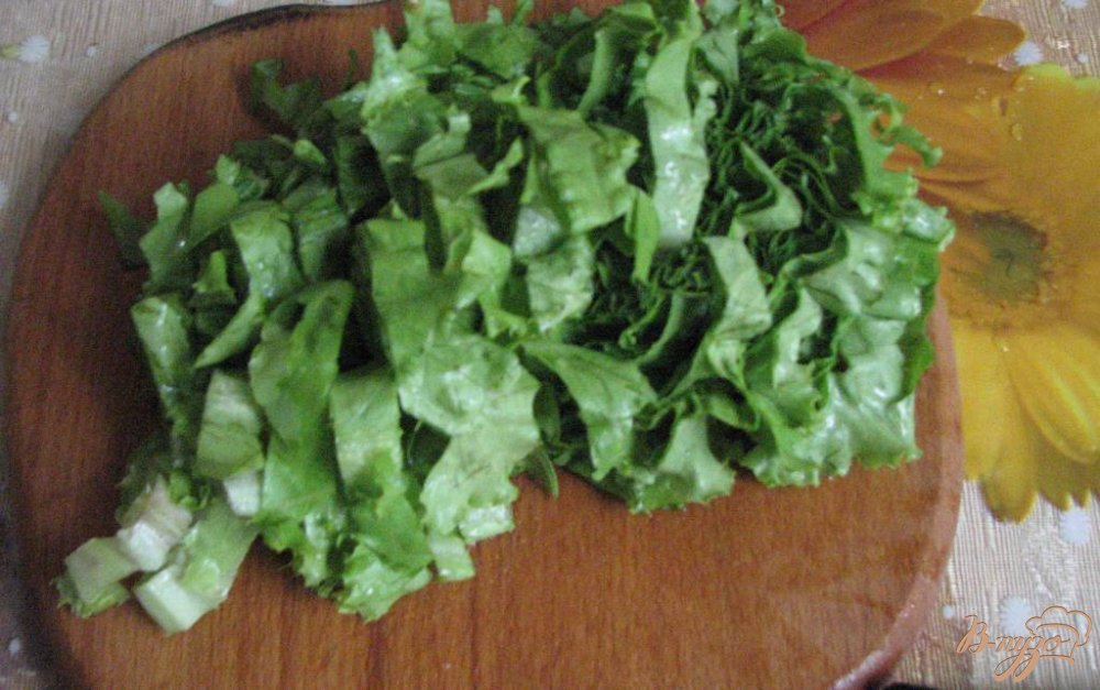 Фото приготовление рецепта: Салат с желтіми помидорами шаг №4