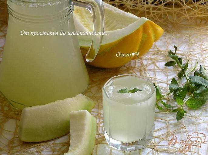 Фото приготовление рецепта: Дынный лимонад с мятой шаг №5