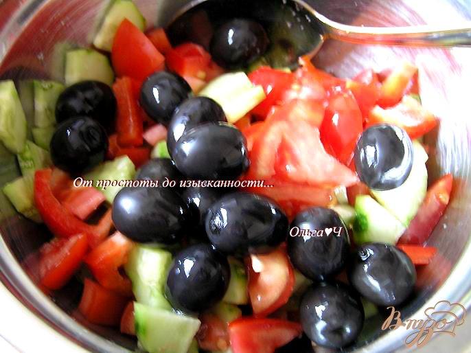 Фото приготовление рецепта: Греческий салат с брынзой шаг №2