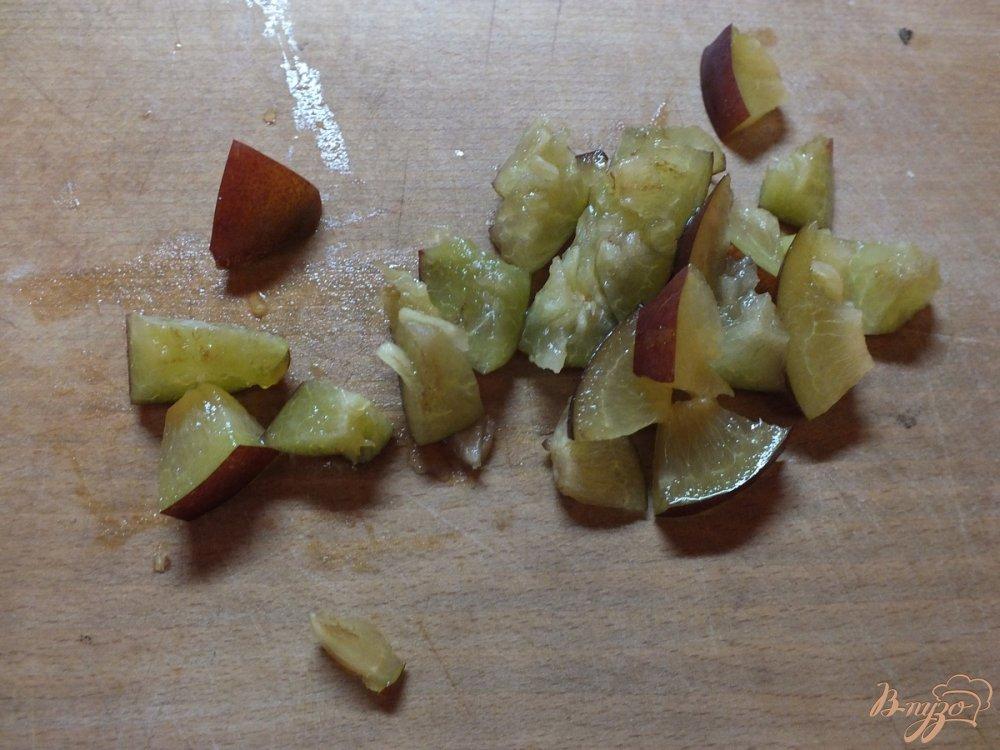 Фото приготовление рецепта: Говядина запеченная со сливой и ароматными травами шаг №2