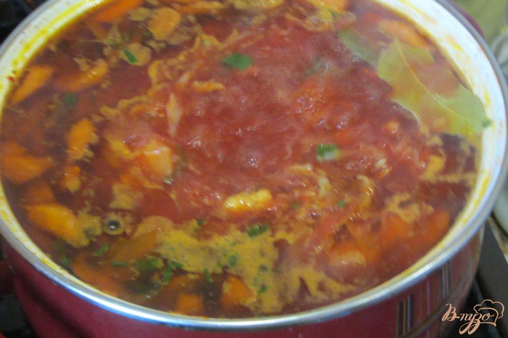 Фото приготовление рецепта: Борщ по-полтавски с грибами и яблоками шаг №15