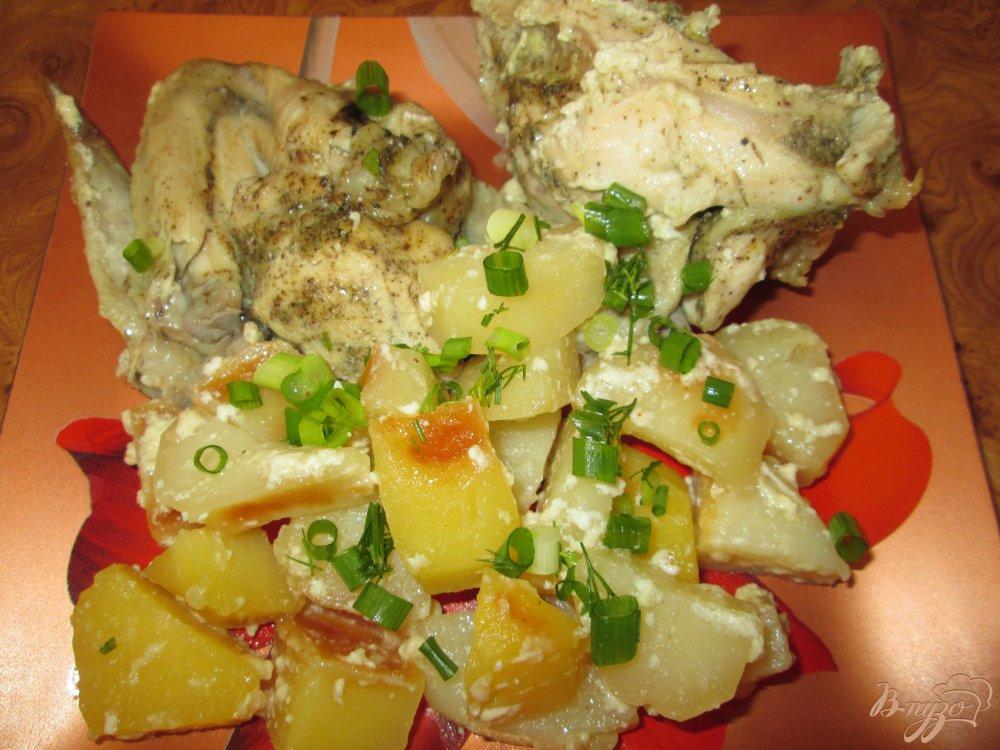 Фото приготовление рецепта: Нежная курица с картошкой в кулинарном рукаве шаг №10