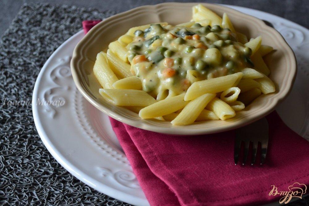 Фото приготовление рецепта: Сливочно-овощной соус к пасте шаг №4