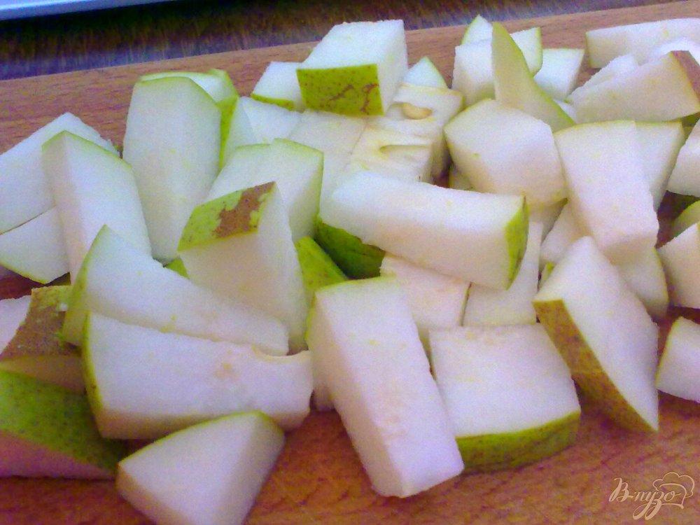 Фото приготовление рецепта: Компот из груш с клюквой шаг №1