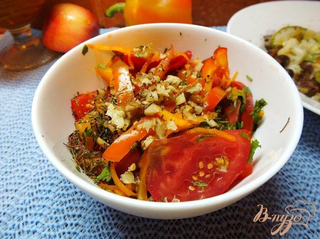 Рецепт Салат из свежей тыквы с чабером и грецким орехом