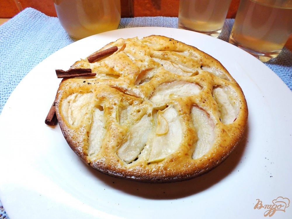 Фото приготовление рецепта: Открытый яблочный пирог шаг №7