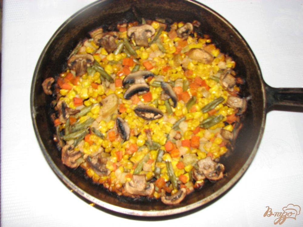 Фото приготовление рецепта: Овощи печеные Сковородка с грибами шаг №6