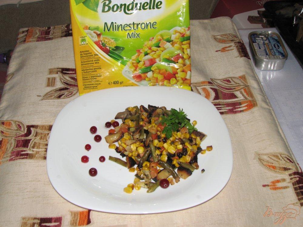 Фото приготовление рецепта: Овощи печеные Сковородка с грибами шаг №7