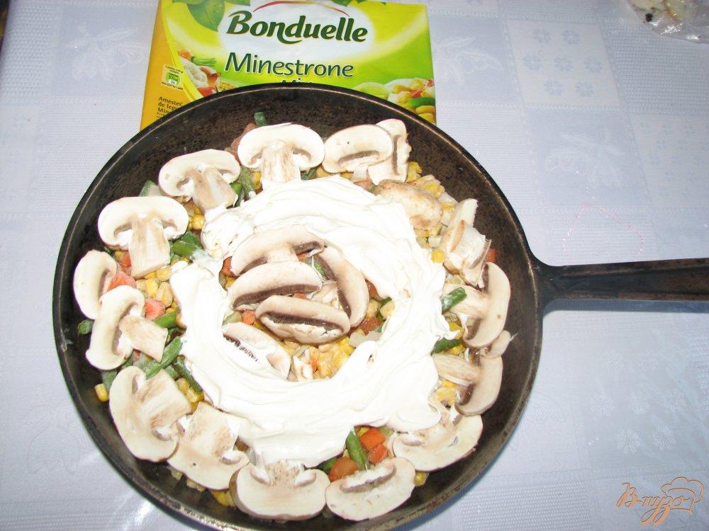 Фото приготовление рецепта: Овощи печеные Сковородка с грибами шаг №5