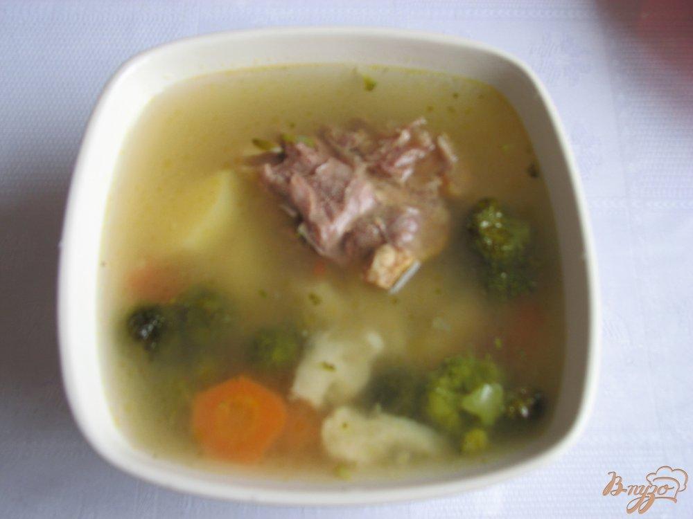 Фото приготовление рецепта: Куринный суп с брокколи шаг №6