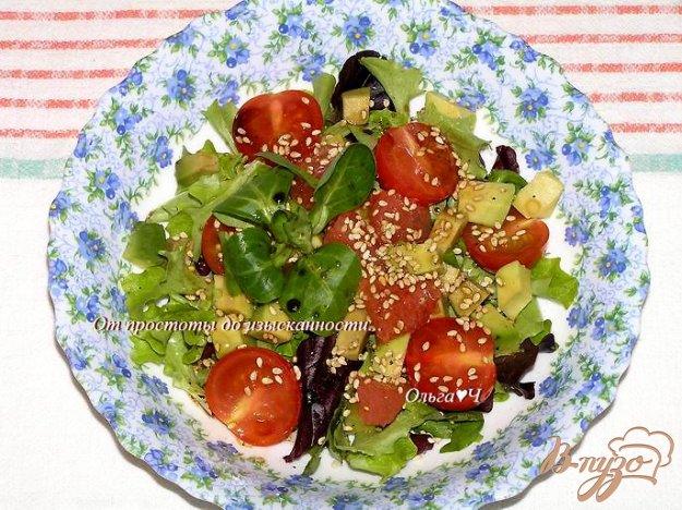 Рецепт Салат с авокадо, черри и грейпфрутом