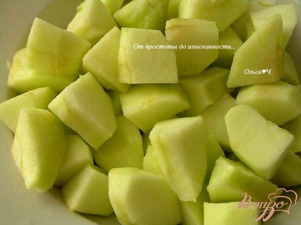 Яблочная шарлотка (в мультиварке)