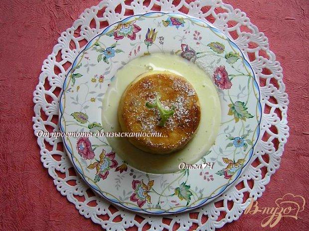 Творожный пудинг с курагой и коричневым сахаром