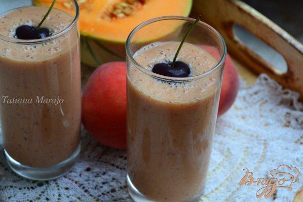 Напиток из дыни с персиком