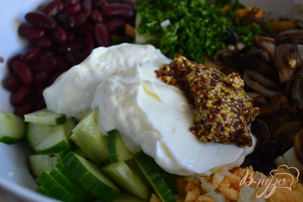 Яичный салат с  грибами