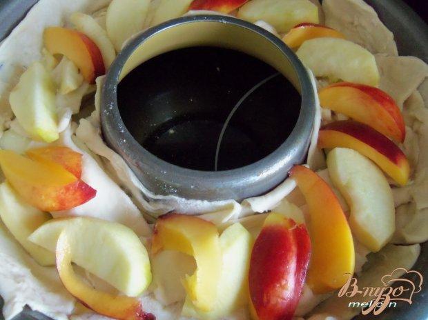 Пирог с яблоками, нектарином и карамельной корочкой