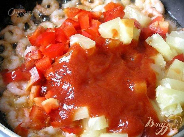 Креветки в кисло-сладком соусе с рисом по-восточному