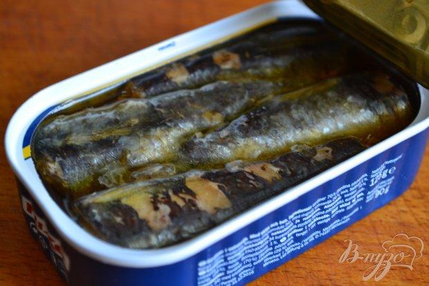 Салат из отварной свеклы с сардинами