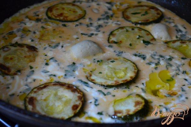 Омлет с цукини, мятой  и голубым сыром