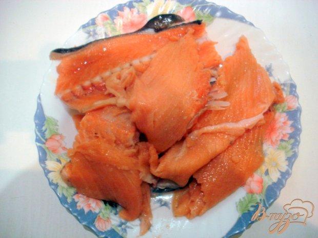 Бульон из хребтов лосося с рисом