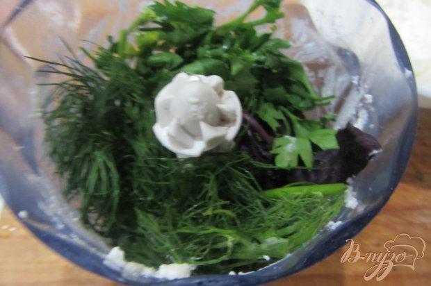 Перец фаршированный чесноком и базиликом