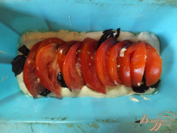 Ароматный хлеб с томатами и базиликом