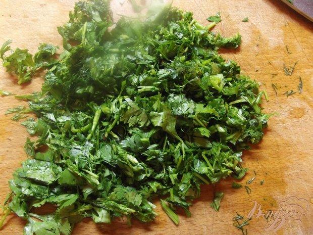 Салат с зеленым горошком и кинзой