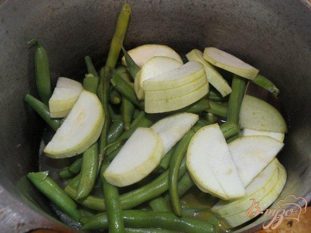 Овощной гарнир из спаржевой фасоли с овощами