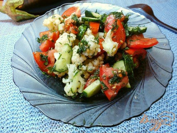 Салат из отварной цветной капусты с овощами